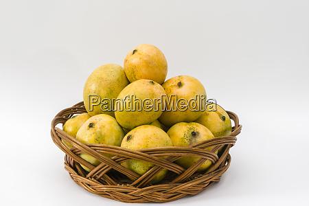 basket of moovandan mangoes