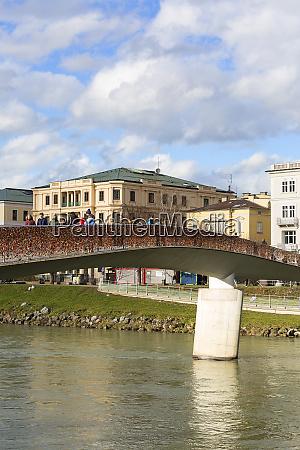 makartsteg bridge over salzach river love