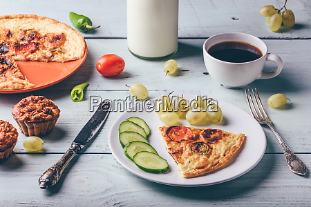 breakfast frittata with with coffee grapes