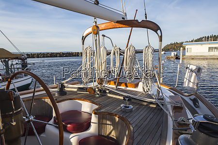 ropes and rigging on sailboat deck