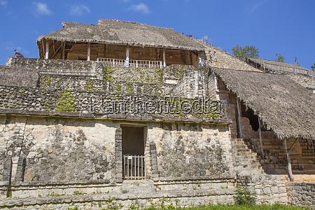 struttura 1 con facciata in stucco