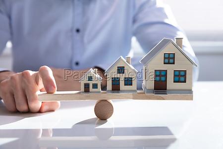 balancing growing house models