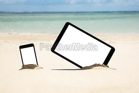 mobile phone and digital tablet dig