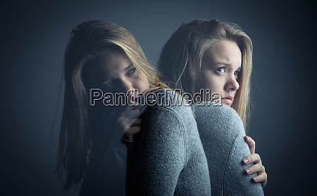 young, woman, suffering, from, a, severe - 26943728