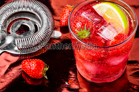 alcoholic strawberry cocktail