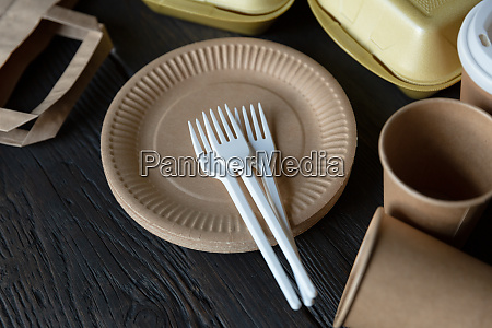 disposable takeaway food boxes and tableware