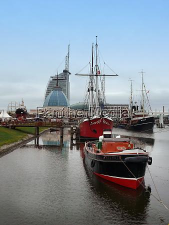 ships in bremerhaven
