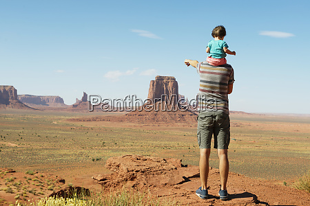 usa utah monument valley father traveling
