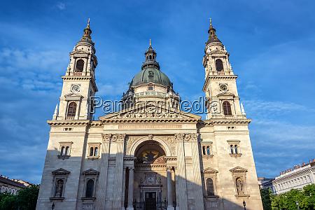 st stephens basilica facade view