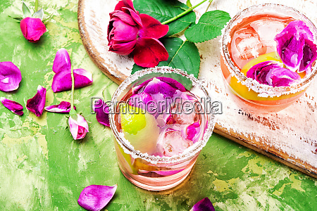 rose alcoholic drink