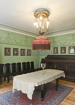 classic luxury dining room