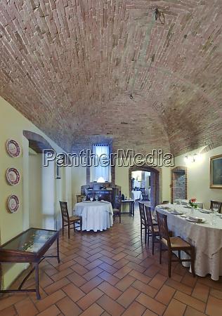 la grotta restaurant interior