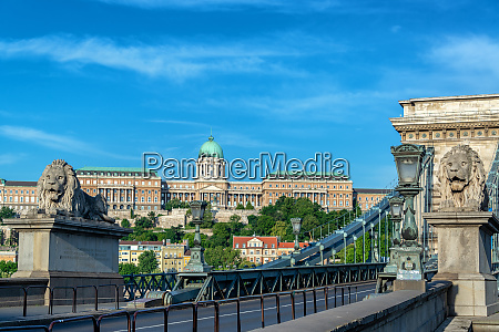 chain bridge and national gallery