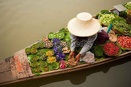 floating markets are a common tradition