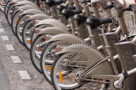 bicycles for rent paris france