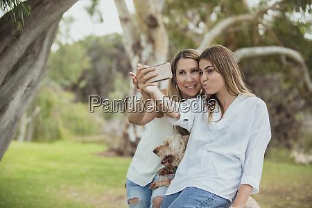 lets take a selfie