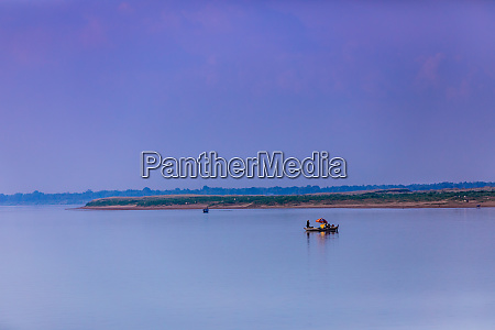 life along the mekong river from