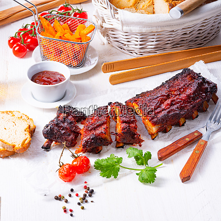 bbq spare ribs from a charcoal