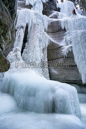 ice climbing in maligne canyon alberta