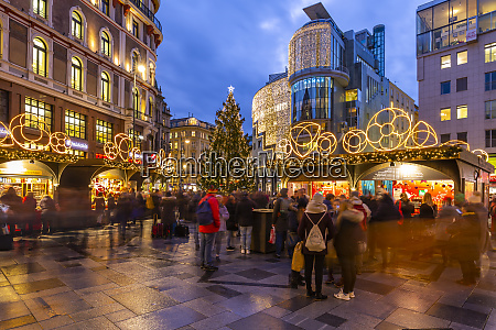view of stephanplatz christmas market at