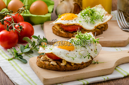 healthy dinner panini toast egg and