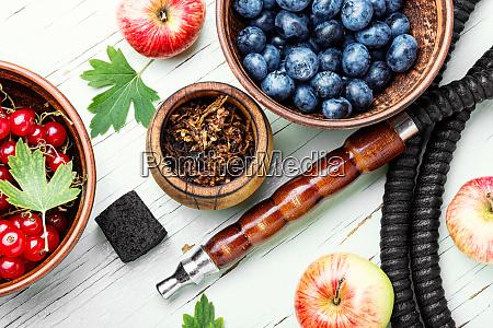 arabia shisha with berries and apple