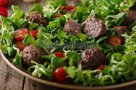 meatballs beef with fresh salad