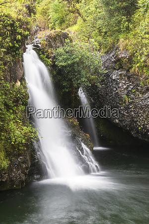 hanawi falls hana highway maui hawaii
