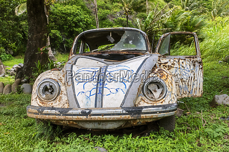 old rusted vw beetle at the