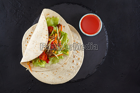 meat and vegetables wraps