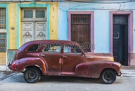 repaired vintage car havana cuba