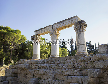 temple e corinthian columns corinth greece