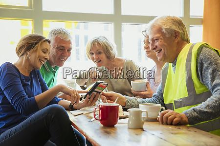 bonding in a cafe