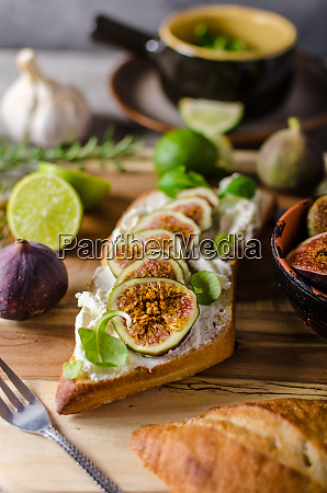 fresh baguette with figs