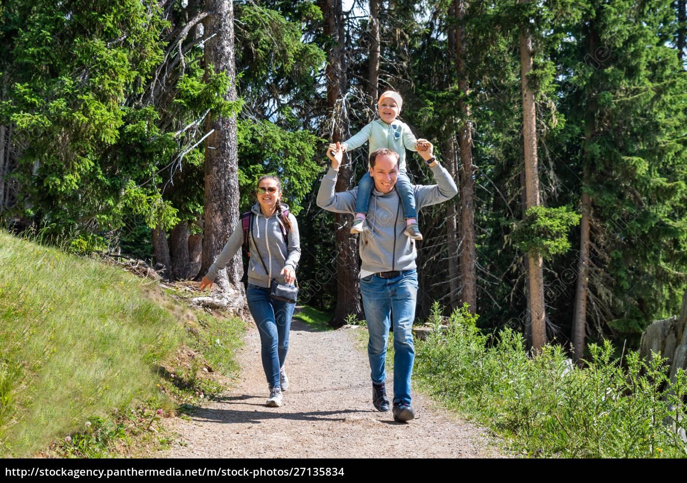 family, walking, hiking, trail, - 27135834