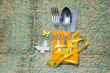 springlike easter cutlery sets