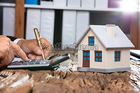 concept of a real estate expenses