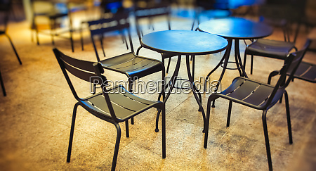 al fresco restaurant table and chairs