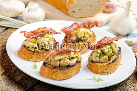 rustic breakfast bread toast mushrooms