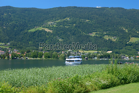 tourist boat at lake ossiacher see