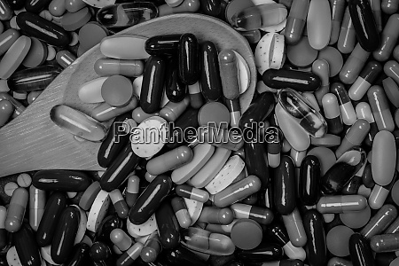 many of tablets and capsules pills
