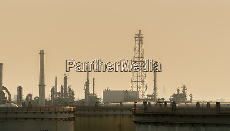 air pollution at oil petroleum refinery