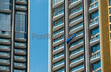 high rise window cleaner with cradle