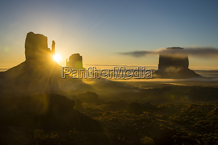 monument valley at sunrise arizona united