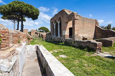 domus del ninfeo ostia antica archaeological