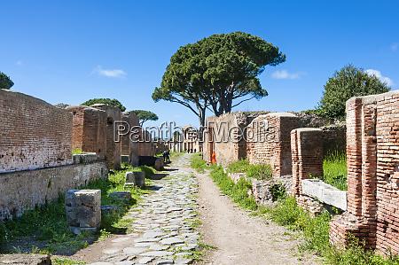 decumanus maximus ostia antica archaeological site