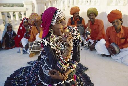 traditional kalbalia dance troupe rajasthan india