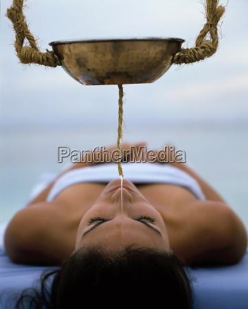 shirodhara treatment ayurvedic treatment india asia