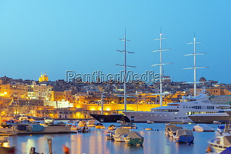 grand harbour marina vittoriosa birgu the
