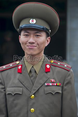 friendly north korean soldier pammunjon north